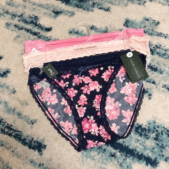 🌸New🌸Laura Ashley 3 pack panty set